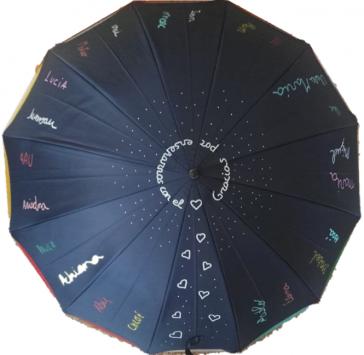 regalo para profesores, paraguas con la letra de niños