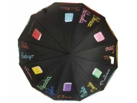 paraguas con nombres de los niños